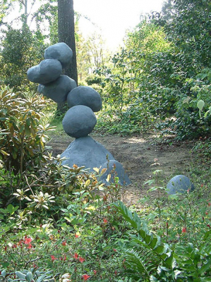 floating-rocks-sculpture